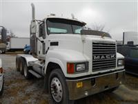 2007 Mack CHN613 GOLD BULLDOG