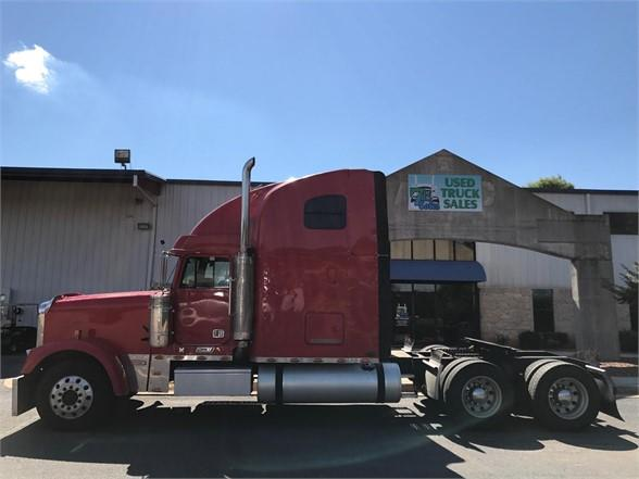 2007 Freightliner FLD132 CLASSIC XL