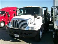 2012 International 4300 CREW CAB
