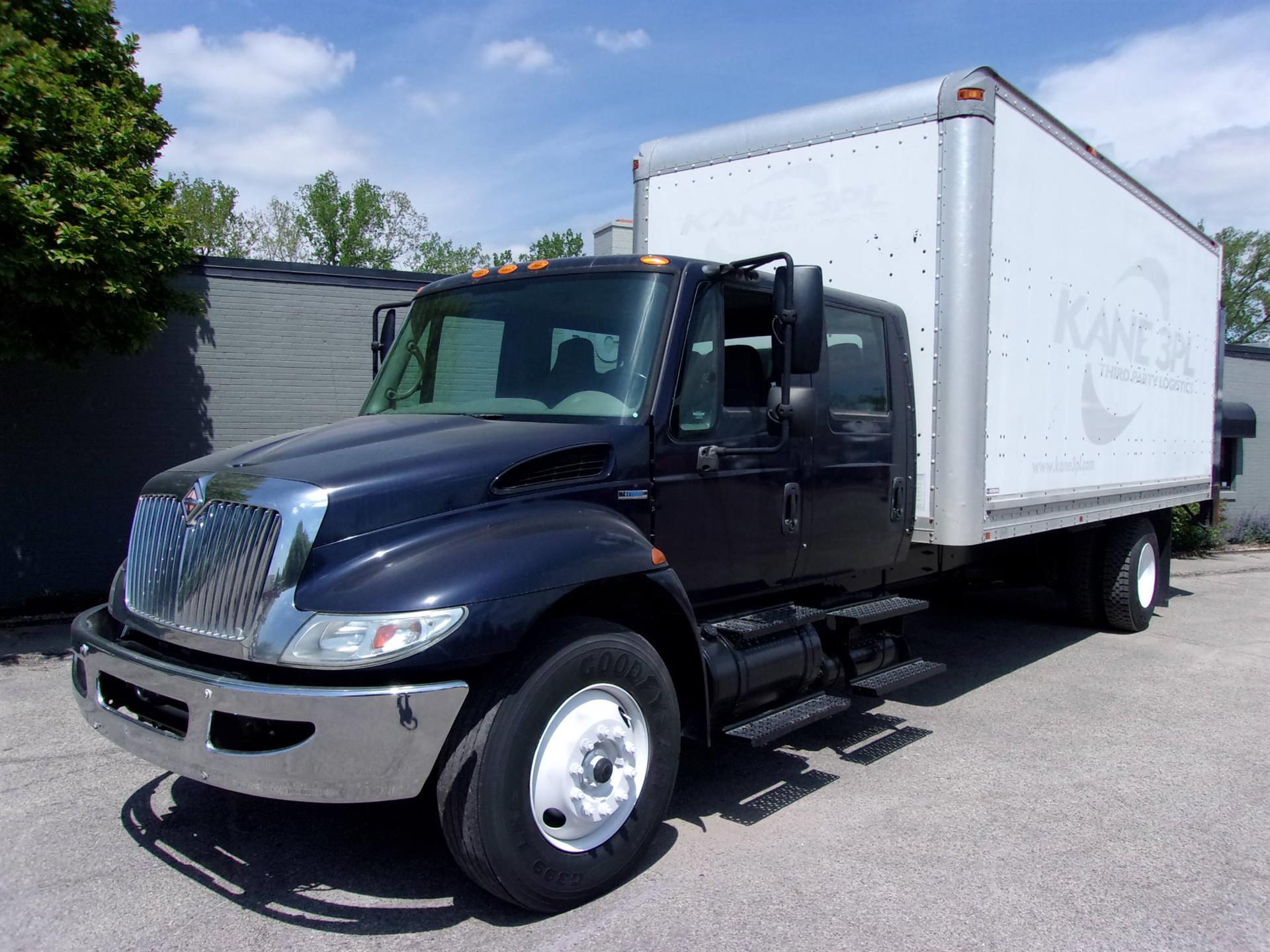 2008 International 4300 CREW CAB