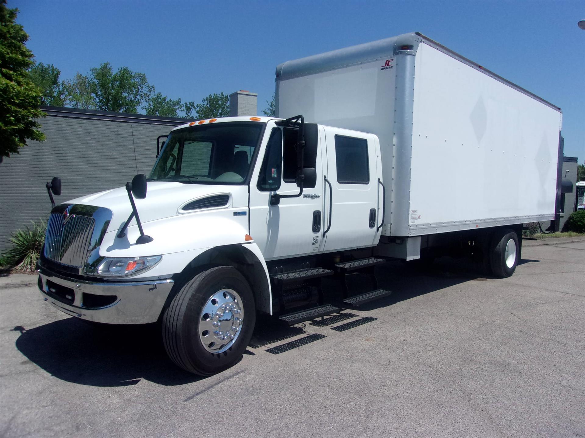 2013 International 4300 CREW CAB