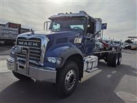 2021 Mack GR64F