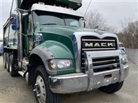 2016 Mack GU713