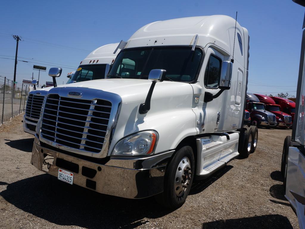 2012 Freightliner CA12564SLP - Cascadia