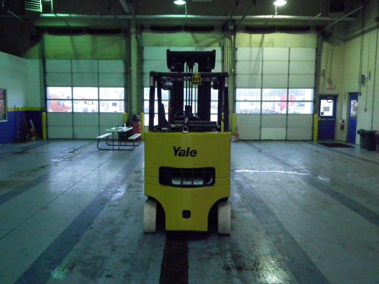2011 Yale GLC080VXNGS