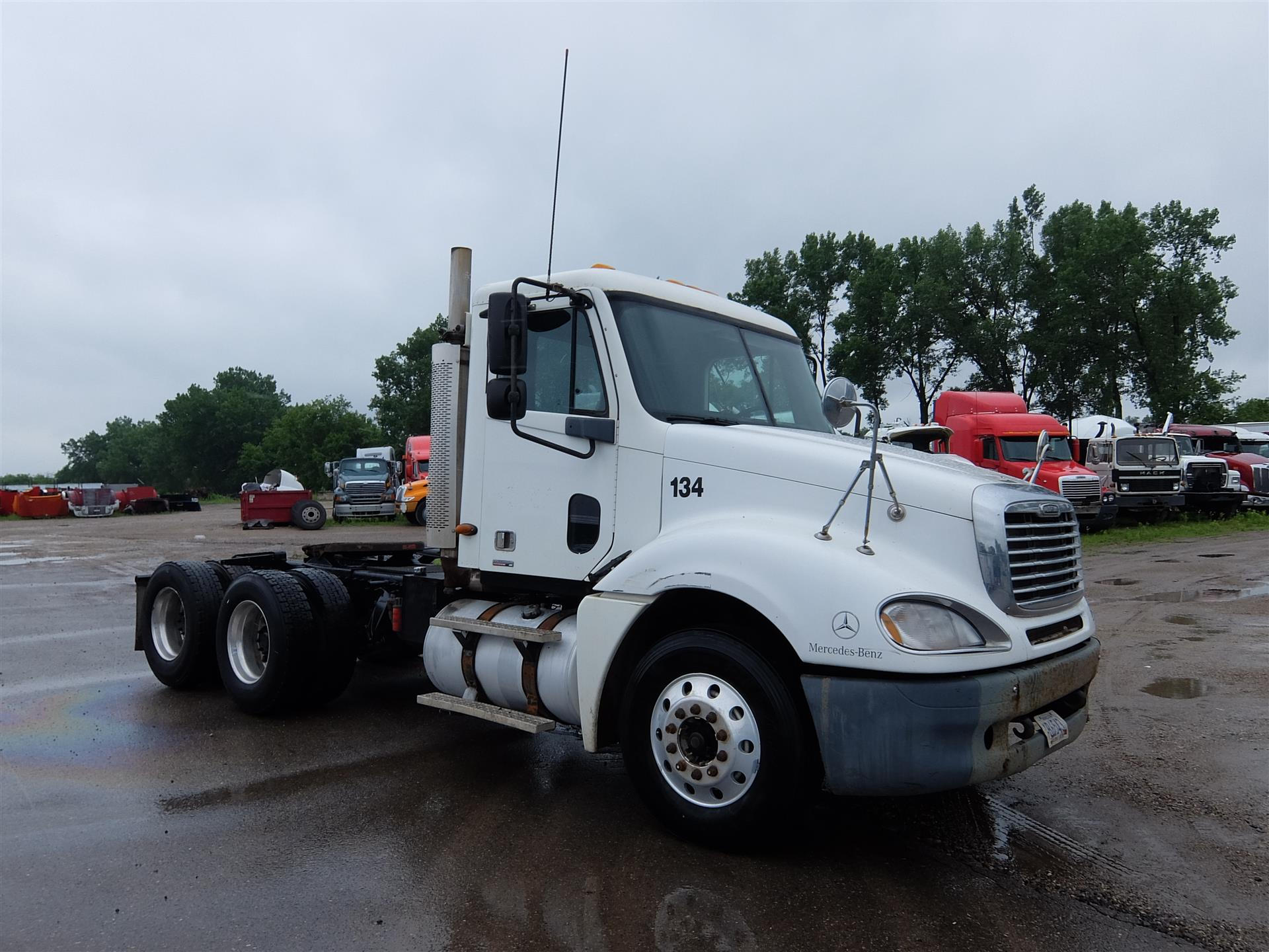 2003 Freightliner Columbia for sale-59138237
