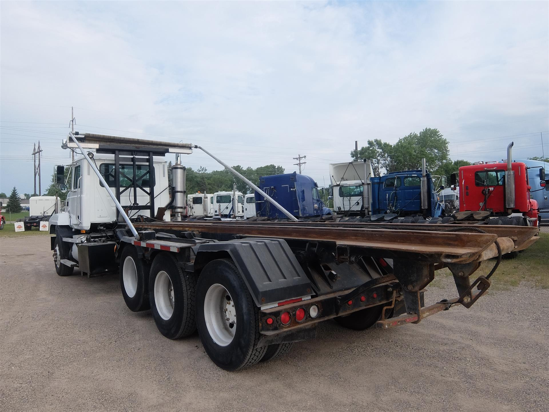 2001 Mack CL713 for sale-59108482