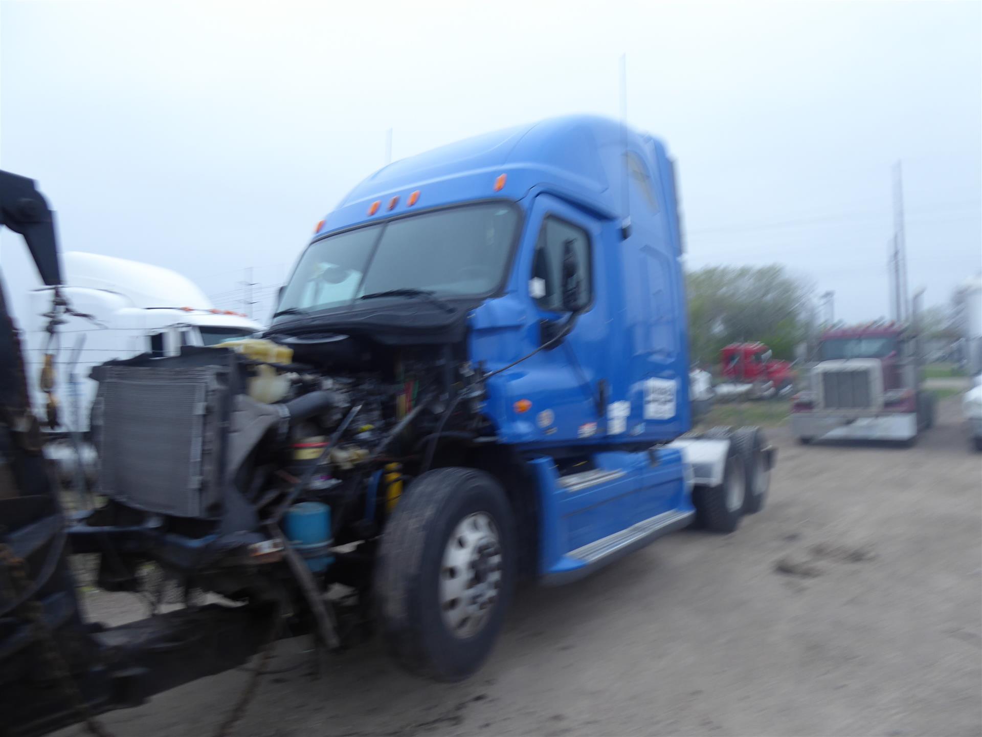 2011 Freightliner Cascadia for sale-59212471