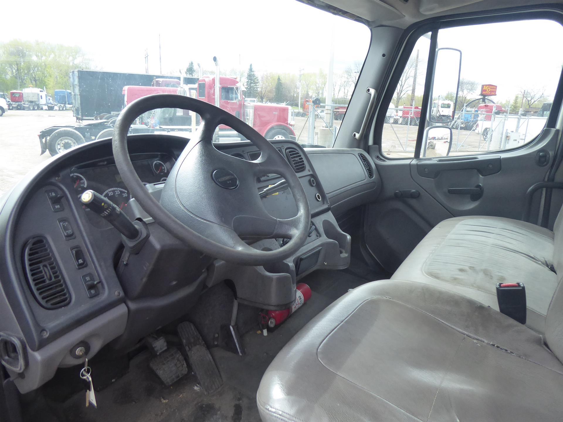 2007 Freightliner M2 106 for sale-59212724