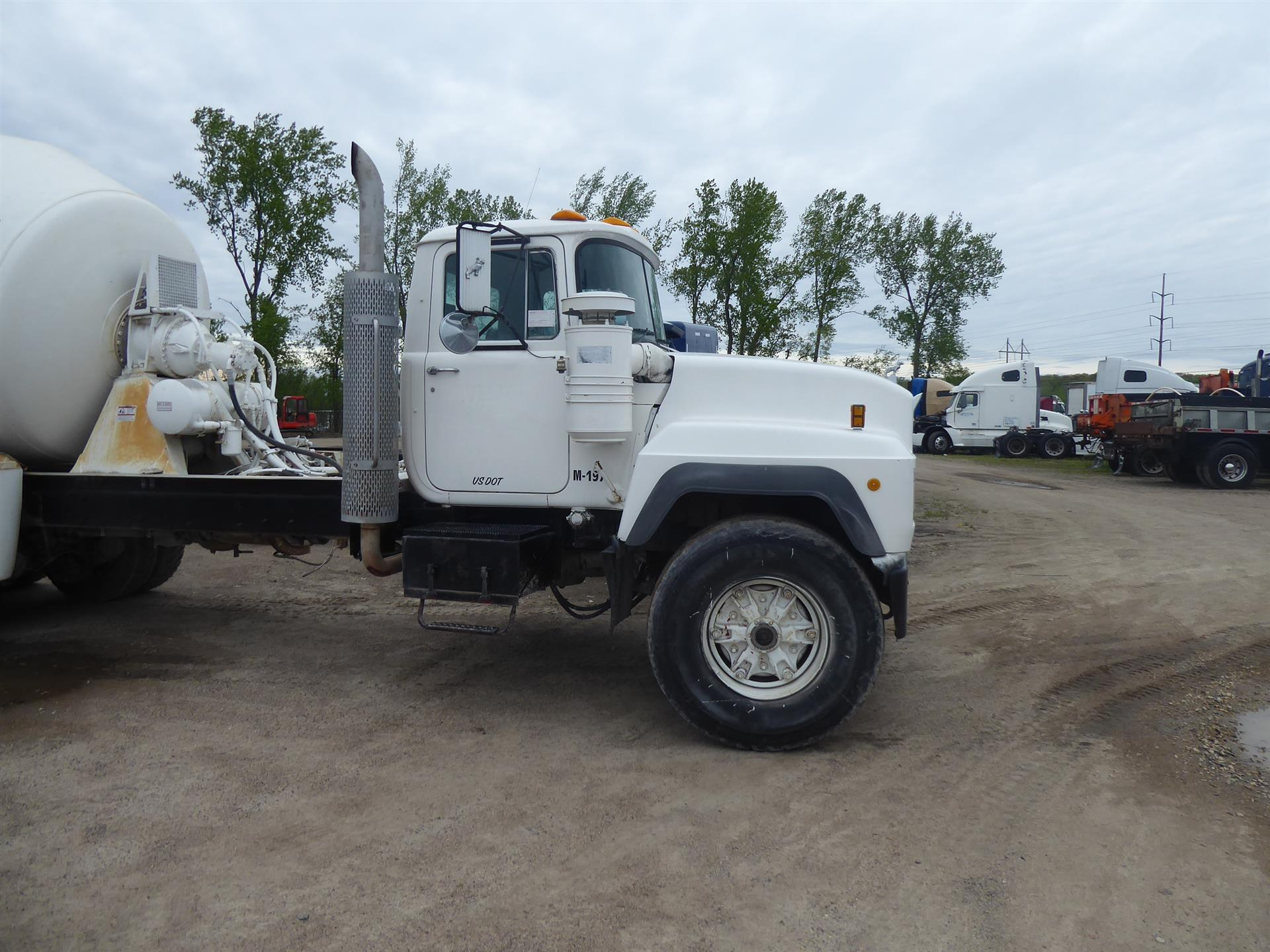1997 Mack rd688s for sale-59220074