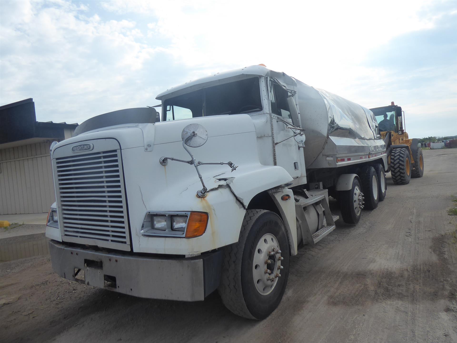 2003 Freightliner FLD12064T for sale-59255605
