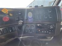2018 Volvo VNL730
