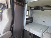 2013 Volvo VNL780