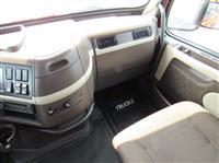 2015 Volvo VNL730