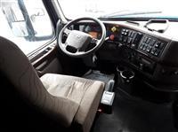 2015 Volvo VNL780