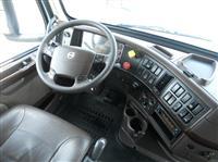 2015 Volvo VNL430