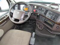 2014 Volvo VNL730