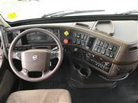 2016 Volvo VNL670