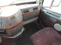 2007 Volvo VNL670