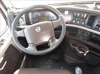 2012 Volvo VNL42T