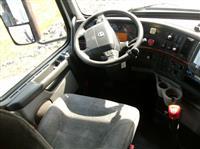 2012 Volvo VNL630