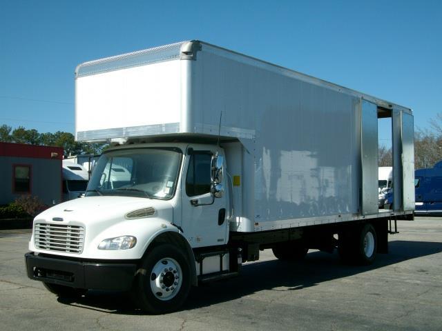 2011 Freightliner M2-106