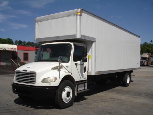2006 Freightliner M2-106