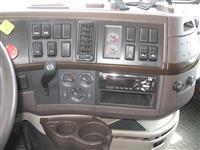2016 Volvo VNL