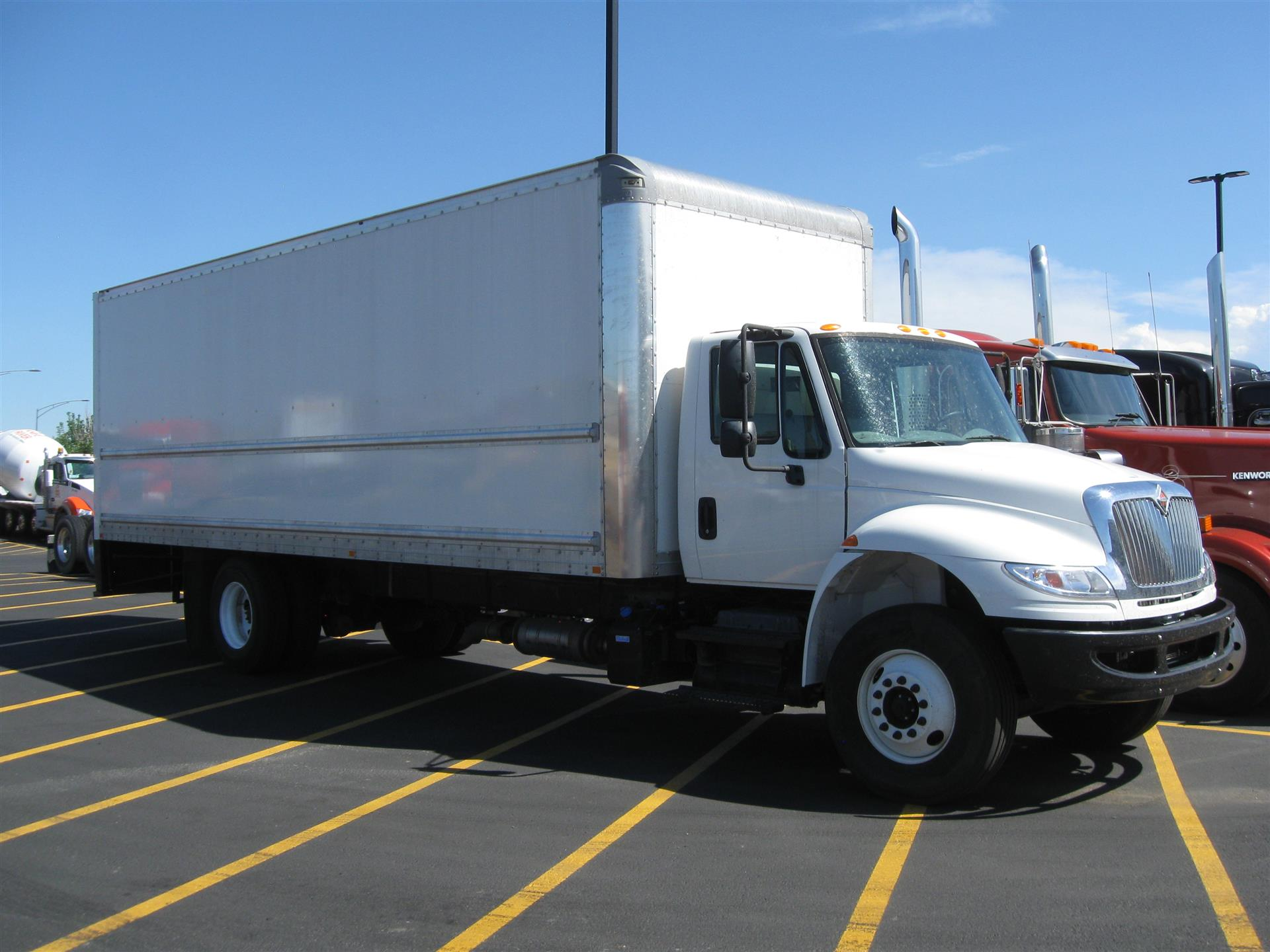 2015 International 4300 SBA 4x2