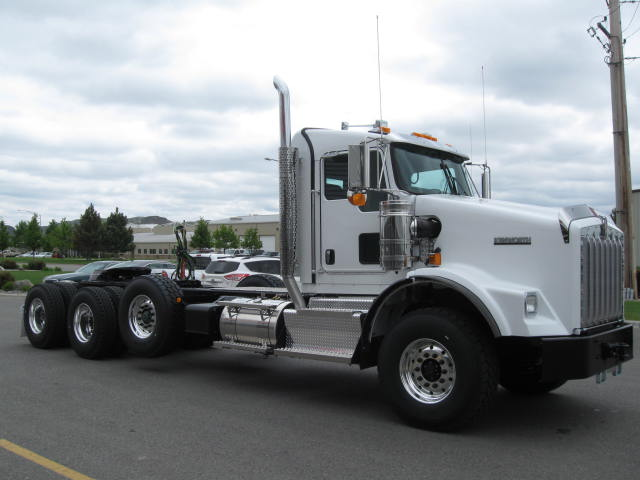 2016 Kenworth T800W EXT DAY C