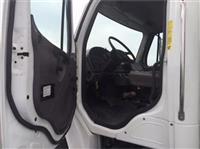 2011 Freightliner BUSINESS CLASS M2 106