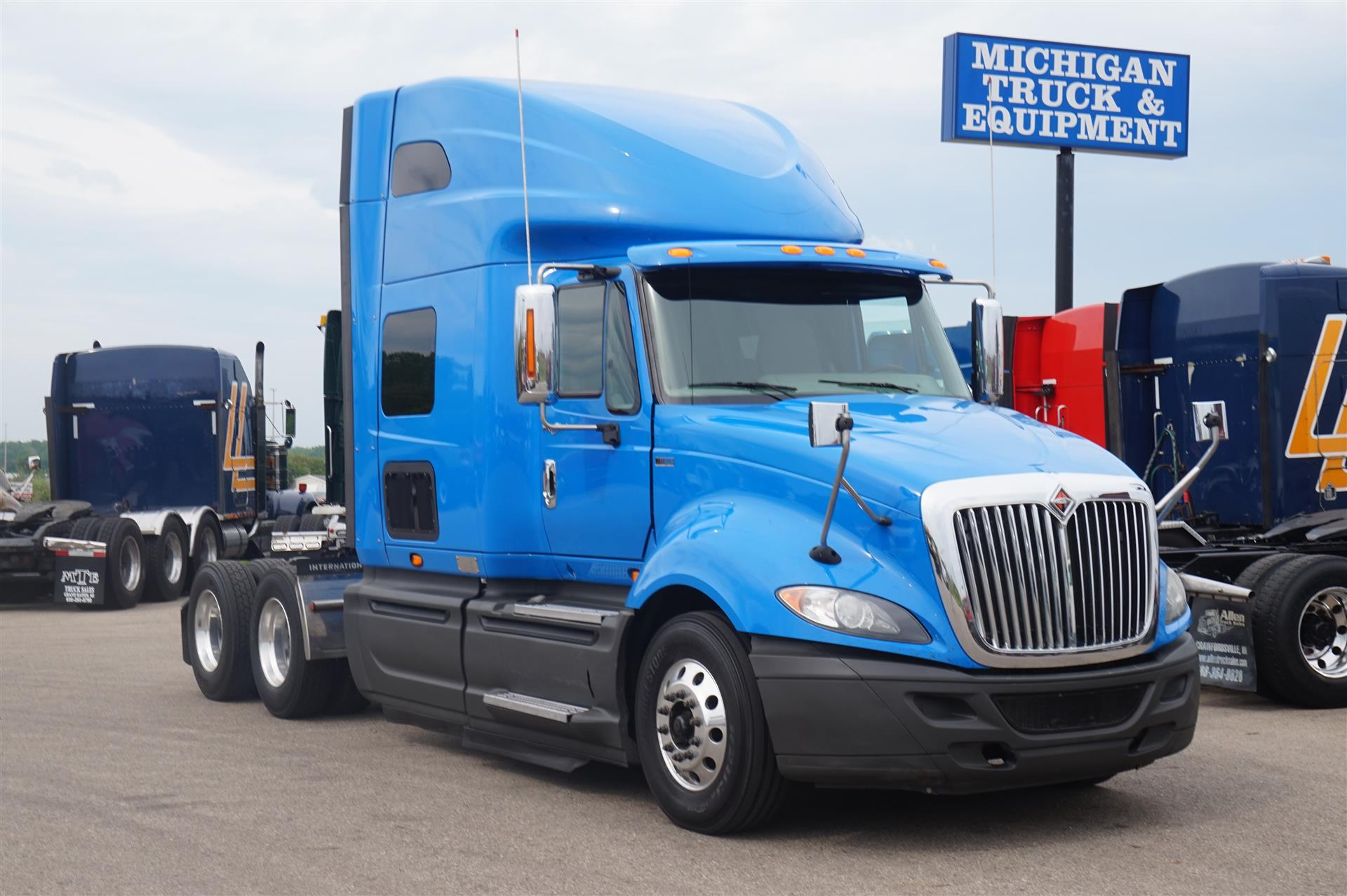 Used Volvo Trucks For Sale Arrow Truck Sales >> Volvo Truck Prices | 2018 Volvo Reviews