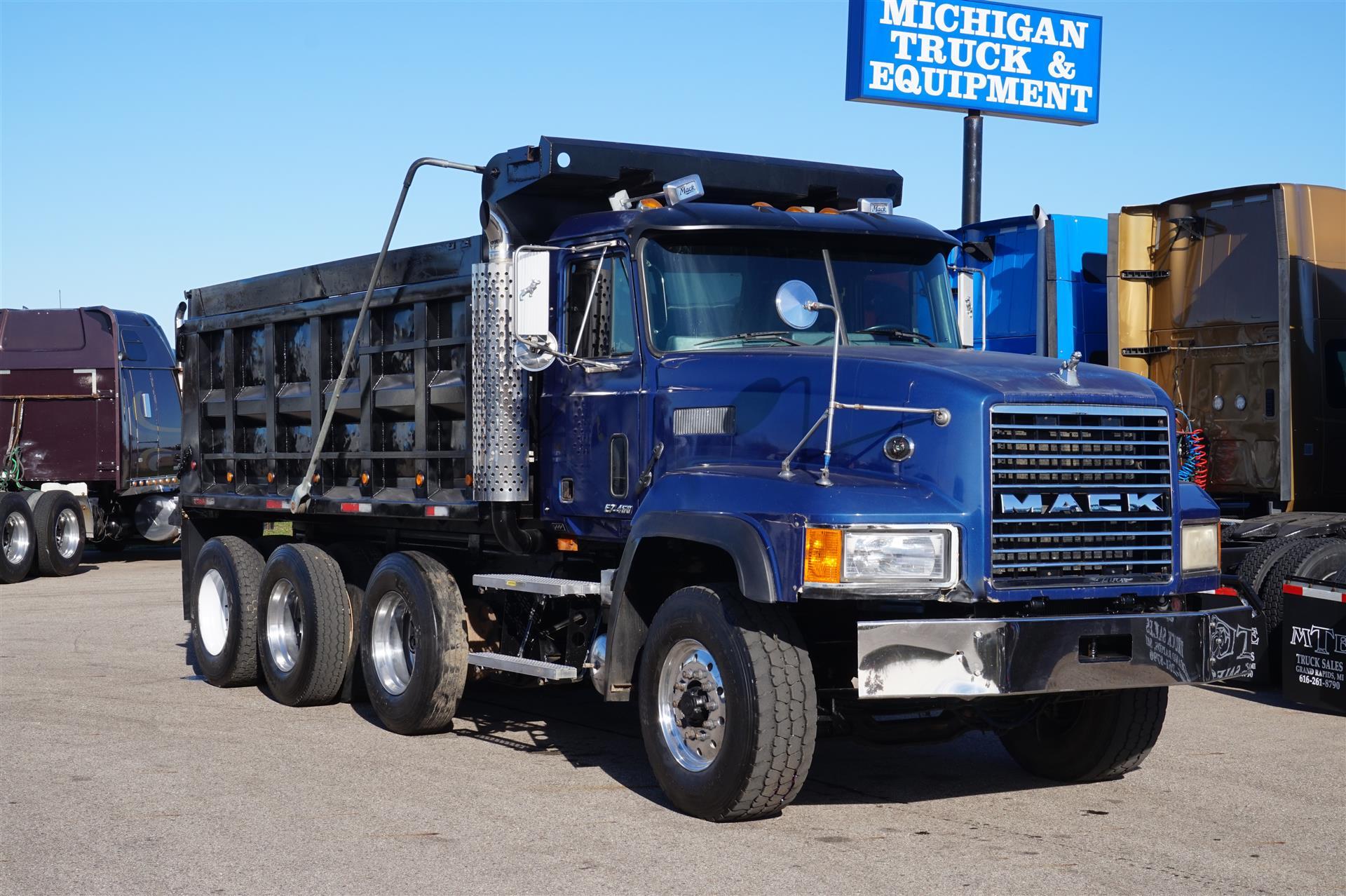 2000 Mack CL713 -  dump Dump Truck