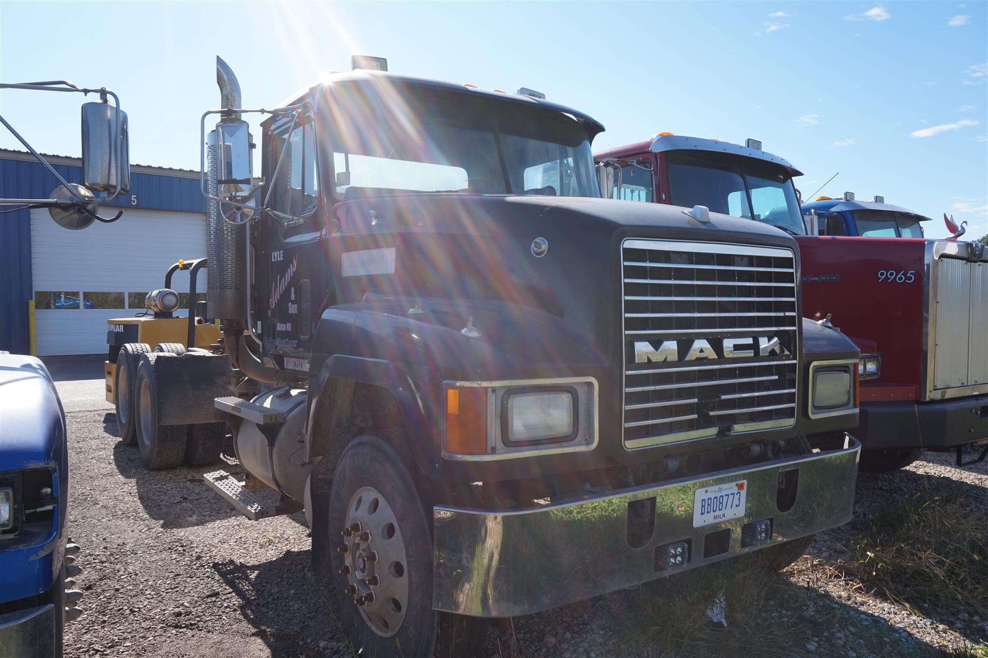 2000 Mack CH613