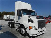 Used 2001 Volvo VNM64T for Sale