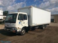 2000NissanBox Truck