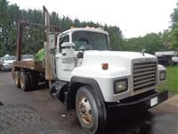1996 Mack RD690S