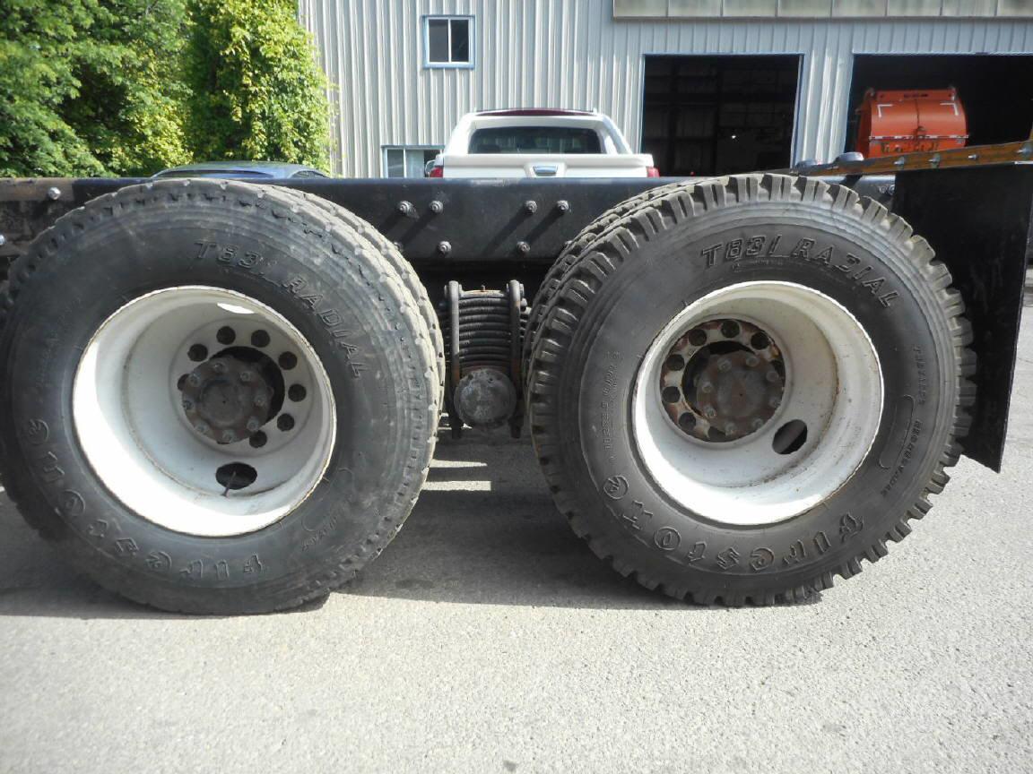 2002 Mack MR690S for sale-55676831