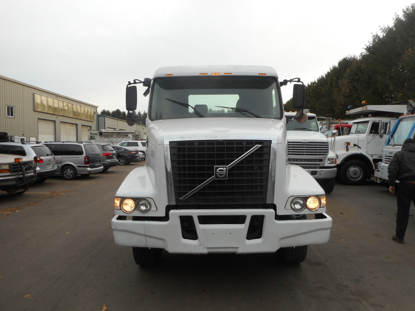 2004 Volvo VHD-64-T for sale-59108082