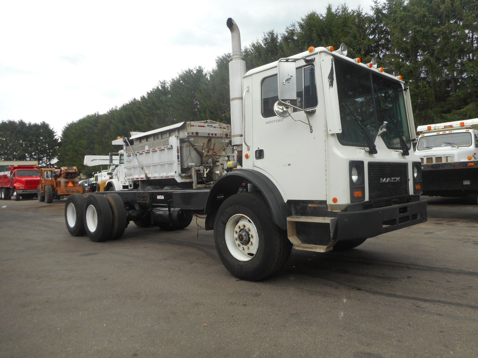 2002 Mack MR690S for sale-59108165