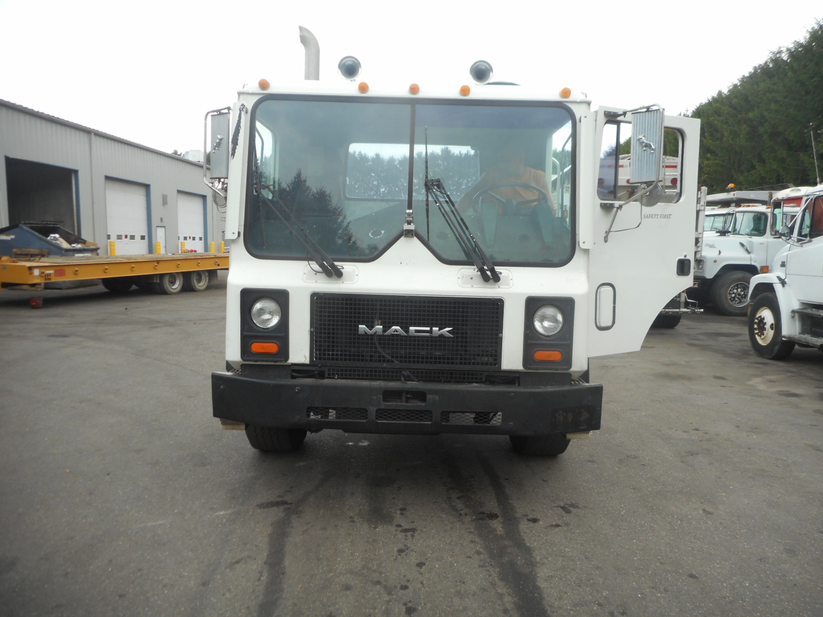 2002 Mack MR690S for sale-59108623