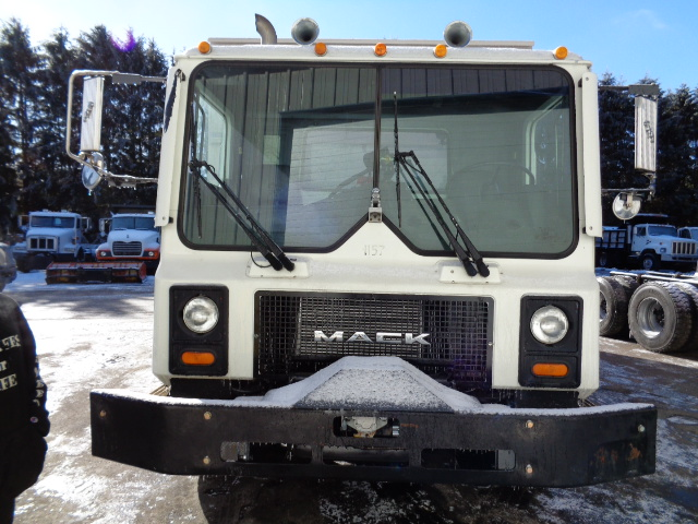 2002 Mack MR690S for sale-59140406