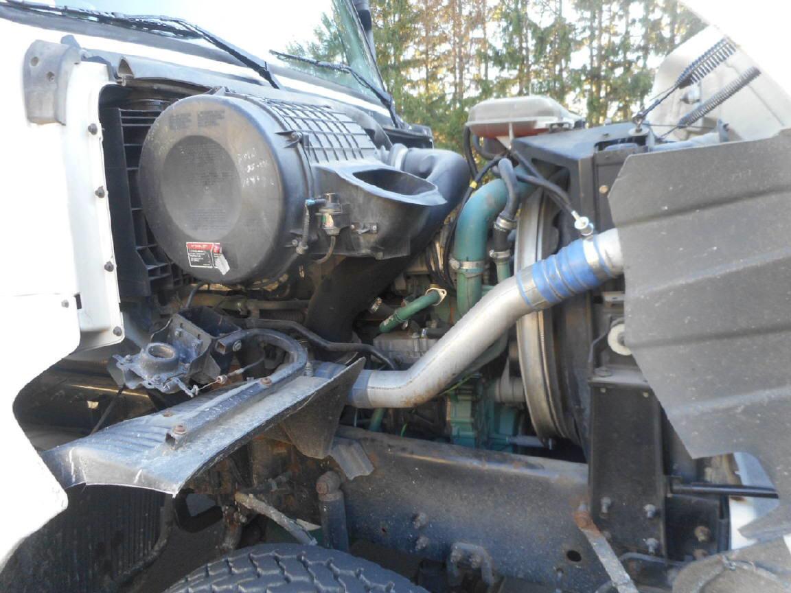 2005 Volvo Septic Tanker for sale-59181387