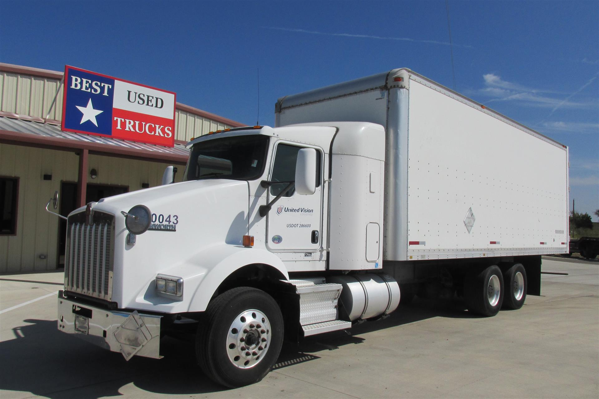2010 Kenworth T800 Box Van