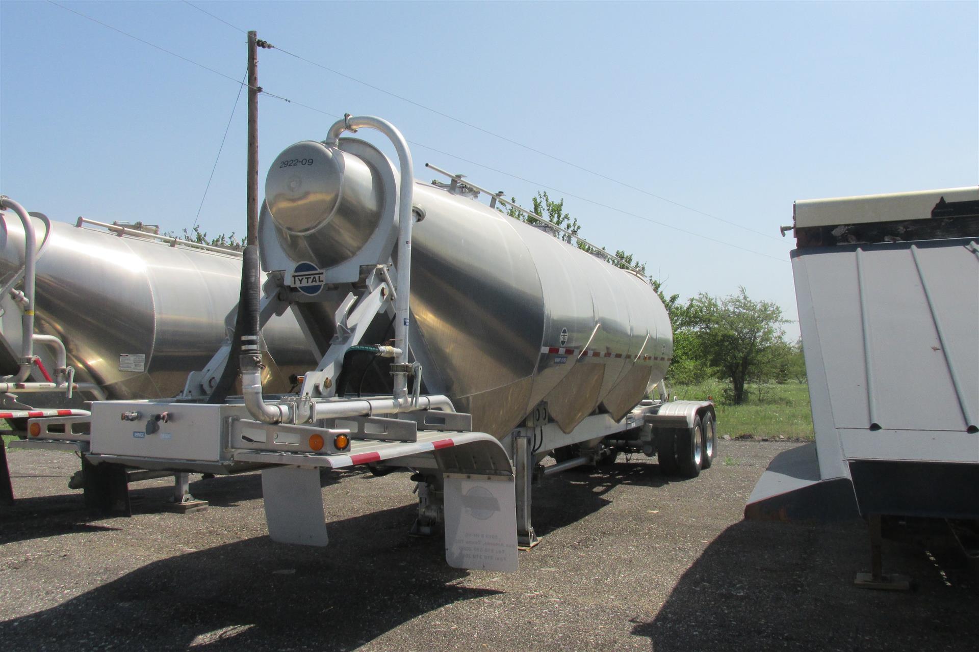 2015 Tytal Pneumatic Tanker