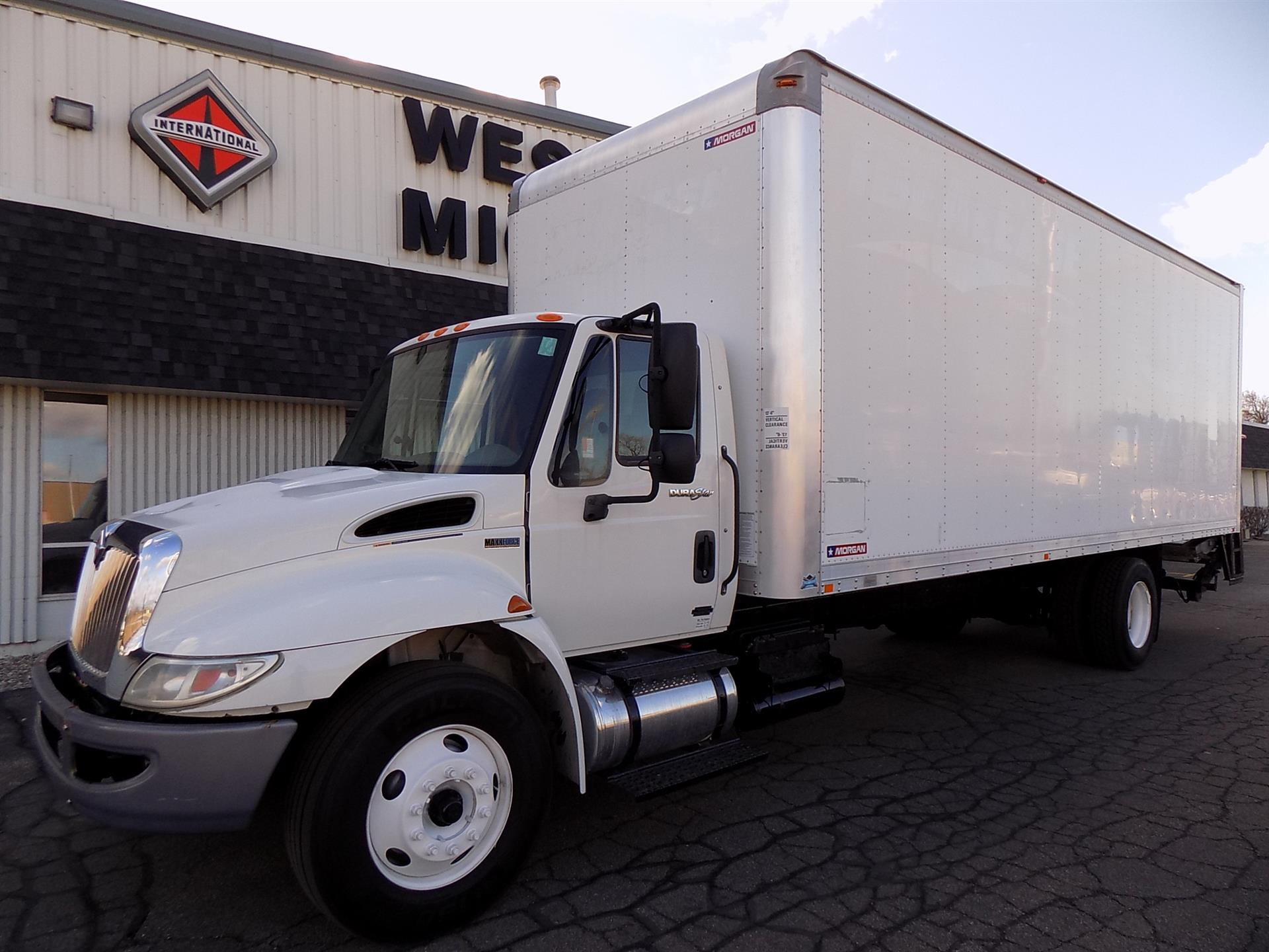 2013 International 4300 SBA