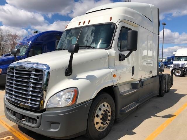 2015 Freightliner CA12564SLP - CA