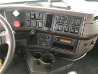 2013 Volvo VNL64T300