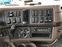 2014 Volvo VNL64T670