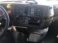 2016 Volvo VNL64T780